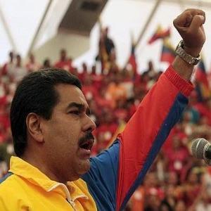 El Congreso intenta recortar el mandato de Maduro