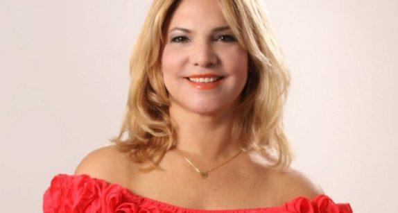 Periodista Yolanda Tapia pone en circulación libro sobre la Aviación Civil Dominicana