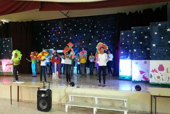 """Alumnos de la escuela Celina Pellier presentan obra de teatro """"El Payaso que cultivaba flores para María"""""""