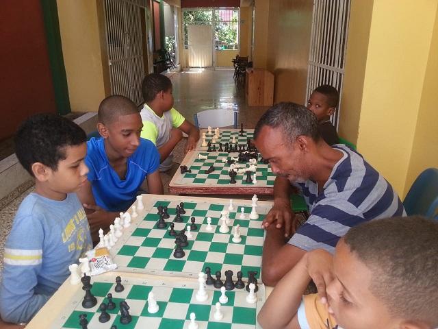 Alumnos de la escuela Celina Pellier tienen un alto nivel en ajedrez infantil