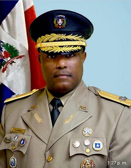 Comandante General del Ejército se reune con Comandantes de unidades fronterizas en Elías Piña